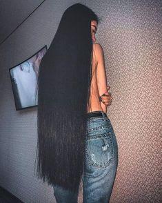 Instagram Long Dark Hair, Very Long Hair, Indian Hairstyles, Cool Hairstyles, Beautiful Black Hair, Simply Beautiful, Peinados Pin Up, Rapunzel Hair, Voluminous Hair