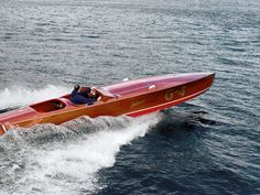 Hacker-Craft Gentleman's Racer boats range in size from 22 to 30 feet and are available today for classic racing and smooth riding.