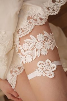 24 Exquisite Wedding Garters For Perfect Wedding Look ❤ See more: http://www.weddingforward.com/wedding-garters/ #weddings #dreses #garters