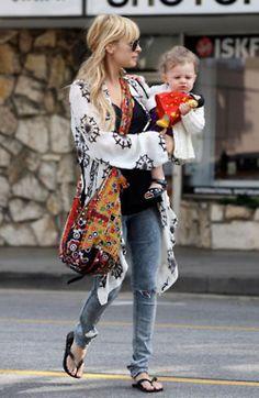 I love Nicole Richie's style.