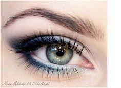 Make-up-Ideen für Prom Blue Eyes Silver Eyeliner 24 Ideas - Makeup Looks Korean Green Eyes Pop, Makeup For Green Eyes, Blue Eye Makeup, Skin Makeup, Navy Makeup, Black Makeup, Makeup Looks Blue Eyes, Formal Makeup, Prom Makeup