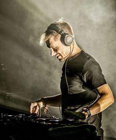 Armin Van Buuren, Dj Techno, Techno House, Dj Music, Dance Music, Edm, Top Dj, A State Of Trance, Italo Disco