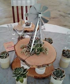 Windpomp tafel idee Rustic Wedding Centerpieces, Centerpiece Decorations, Table Centerpieces, Wedding Decorations, Outdoor Table Settings, Christmas Table Settings, African Theme, South African Decor, African Christmas