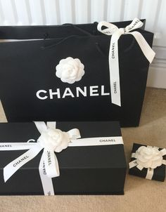 59019560891dbd 14 Best chanel box images | Black, white, Nice asses, Backgrounds