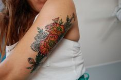 Floral motif tattoos are of great popularity today. Description from…