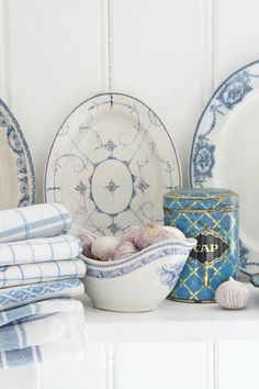 VIBEKE DESIGN - love the simplicity of the blue and white.