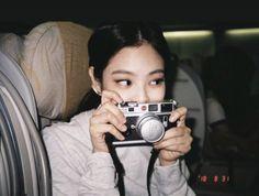 Image about kpop in babygirl by b on We Heart It Blackpink Jennie, Yg Entertainment, Rapper, Blackpink Members, Idole, Blackpink Photos, Blackpink Fashion, Foto Pose, Blackpink Jisoo