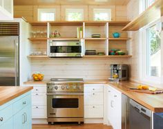 Make the Most of a Small Kitchen! - small-Kitchen-design-inspiration …but just the layout…want the stove/oven in the island - Kitchen Design Small, Small Kitchen, Kitchen Remodel, Kitchen Decor, Modern Kitchen, Small Kitchen Layouts, Kitchen Layouts With Island, Kitchen Layout, Kitchen Design