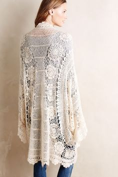 inspiration - Loose Crochet Shrug of the back) from Antropologie, posted by Outstanding Crochet - Isn't this lovely? I want to make it in a dark, smokey grey. Crochet Coat, Crochet Cardigan, Crochet Shawl, Crochet Yarn, Crochet Clothes, Cute Outfits With Leggings, Cute Leggings, Crochet Video, Crochet Fashion