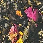 Emperor's 7 Treasures (Peach Note)  A flavored black and green tea blend has a kaleidoscope of colors with a peach flavor. Fit for an emperor!  Ingredients: black and green tea, flavoring, rose petals, rose leaves, sunflower blossoms