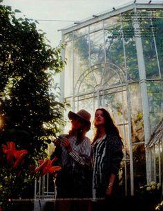 Tunika WARWICK w pięknej sesji w ogrodzie