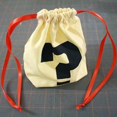 How to make simple cloth bags with flat bottoms and easy-to-use double drawstrings!
