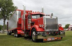 Another nice Pete! Big Rig Trucks, Semi Trucks, Cool Trucks, Peterbilt 359, Peterbilt Trucks, Custom Big Rigs, Custom Trucks, Ranger, Trucks