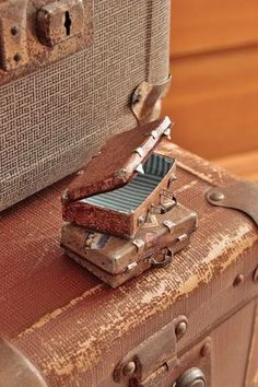 tutorial: miniature suitcases