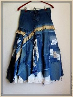 Hollister denim skirt embellished with vintage buttons, hankies, doilies, scrabble tiles, bits of fabric Lace Jeans, Denim And Lace, Blue Denim, Skirt Outfits, Chic Outfits, Diy Clothes, Clothes For Women, Denim Ideas, Denim Crafts