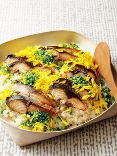 しめさばを焼いてのせた、贅沢な秋のおすし|『ELLE a table』はおしゃれで簡単なレシピが満載!