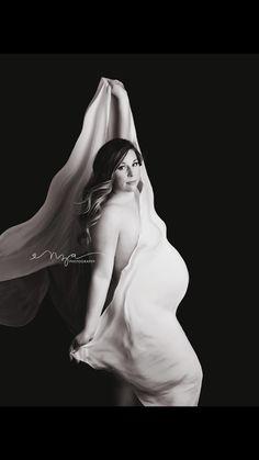 Studio Maternity Photo Shoot