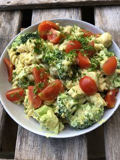 Greek Recipes, Baby Food Recipes, Salad Recipes, Healthy Recipes, Tasty Meal, Mozzarella Salat, Good Food, Yummy Food, Clean Eating Breakfast