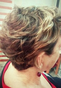 Short hair cut 40+ women / copper highlights / asym haircut / blonde highlights / short curly hair styles Short Curly Hair, Short Hair Cuts, Curly Hair Styles, Copper Highlights, Blonde Highlights, Chair, Women, Blonde Chunks, Short Hairstyles