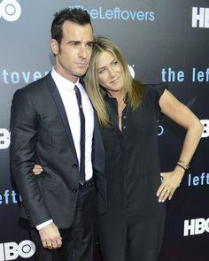 Pin for Later: Jennifer Aniston et Justin Theroux Font Leur Première Apparition Officielle en Tant Que Mari et Femme