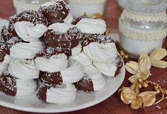 http://citromhab.blogspot.hu/2015/12/csokolades-kokuszos-habkarika.html?spref=pi