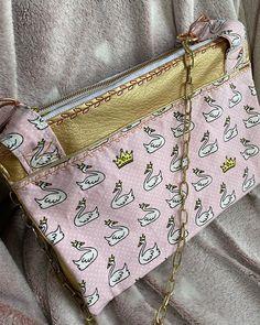 Oh Mathilde a ✨ sur Instagram: Le sac des cygnes pour @celiaschmerber ✨👸🏻🦢💛❤️ #chachachasacôtin @patrons_sacotin