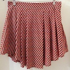 🎉HOST PICK🎉 Worn once gorgeous skirt feat. the most unique style ?????? Size large 100% polyester NO TRADES Runway Story Skirts
