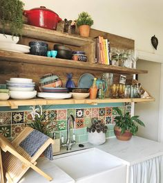 30 Designs Perfect for Your Tiny Kitchen What's Decoration? Decoration is the art of decorating the inner and exterior … Boho Kitchen, Kitchen Styling, Kitchen Decor, Kitchen Tiles, Mexican Tile Kitchen, Eclectic Kitchen, Mexican Tiles, Design Kitchen, Kitchen Utensils