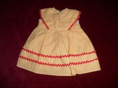 Altes-Puppen-Kleid-aus-den-30iger-Jahren-fuer-eine-KK-od-SK-Puppe-von-ca-50-cm