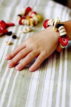 """Healthy """"Candy"""" Bracelets - healthy snack and fun project!"""