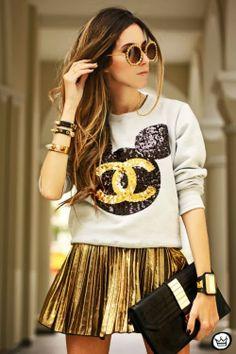 Mini gold skirt