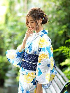 京都きもの町さんの「浴衣福袋4点Set「夏色美人」浴衣06:グレー×ブルー フラワー柄(kimonomachi)」を使ったコーディネート
