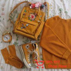 what color is your backpack/bag? also i always get asked where the flower pa Mochila Kanken, Mochila Jansport, Mini Mochila, Art Hoe Aesthetic, Orange Aesthetic, Aesthetic Clothes, Grunge Style, Soft Grunge, Yellow Kanken