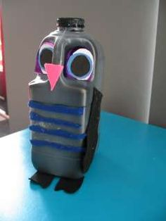 milk and drink container owls Owl Crafts, Crafts For Kids, Reuse Recycle, Recycling, Drink Containers, Digital Watch, Flask, Homeschool, Bottles