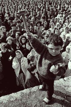 4-8 Ocak 1991 Büyük Madenci Yürüyüşü. (Maden işçileri, aileleriyle birlikte Zonguldak'tan Ankara'ya doğru yola çıkmışlardı.)
