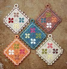Transcendent Crochet a Solid Granny Square Ideas. Inconceivable Crochet a Solid Granny Square Ideas. Crochet Kitchen, Crochet Home, Crochet Crafts, Yarn Crafts, Crochet Projects, Free Crochet, Knit Crochet, Crochet Granny, Ravelry Crochet
