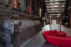 Het Red dot museum (industrieel ontwerp) is een van de hoogtepunten in het Ruhrgebied. Nieuwe ontwerpen tussen de industriële machines van toen. #photography #travelphotography #traveller #canonnederland #canon_photos #fotocursus #fotoreis #travelblog #reizen #reisjournalist #travelwriter#fotoworkshop #willemlaros.nl #reisfotografie #fb #tw #ruhrgebied
