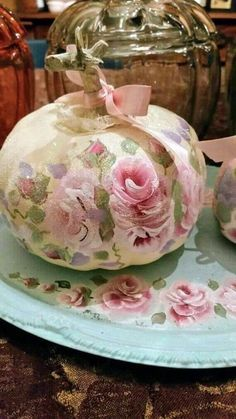 Items similar to Sold*** rose Shabby Cottage Chic Victorian Hand Painted Pink Pumpkin Fall Halloween Roses lavender on Etsy Shabby Chic Pumpkins, Shabby Chic Fall, Pink Pumpkins, Shabby Chic Crafts, Fabric Pumpkins, Painted Pumpkins, Fall Pumpkins, Halloween Pumpkins, Autumn Decorating