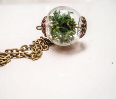 Moss Terrarium Necklace//