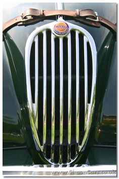 Vintage Car Models ab_Jaguar FHC grille - Jaguar Fixed Head Coupe grille. This grille was similar to the outgoing grille, but was now cast in one piece and the bars were thinner Classic Sports Cars, Best Classic Cars, Retro Cars, Vintage Cars, Jaguar Models, Jaguar Cars, Jaguar Sport, Jaguar Xk120, Jaguar Daimler