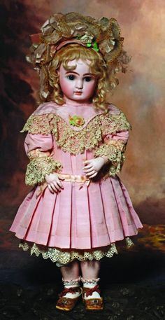 FRENCH BISQUE BEBE STEINER WITH RARE BISQUE HANDS & : Lot 0116