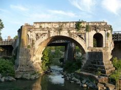 Remains of Pons Aemilius (Ponte rotto) in Rome. The oldest stone bridge of the city was built in 179 BC and reconstructed during Augustus' era. In Ancient Times, Ancient Rome, Ancient History, Roman Era, Roman City, Rome Buildings, Rome Architecture, Roman History, Southern Europe
