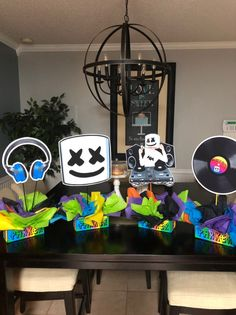 Excited to share this item from my shop: DIY 12 Small dj marshmello Birthday Party Centerpieces baby shower birthday dance music Centerpiece 124482377187886055 6th Birthday Boys, Dance Party Birthday, 7th Birthday Party Ideas, 13th Birthday Parties, Elmo Birthday, Party Party, Music Centerpieces, Graduation Party Centerpieces, Butterfly Centerpieces