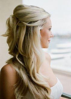 Ideas en peinados de novia semirecogidos Te gusta este estilo? Queda con vos? #NoviasRealesNoviasComoVos http://www.casamenteras.com/peinados-de-novia-semirecogidos/