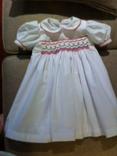 Christmas Dress by Fran. Girls Dresses, Flower Girl Dresses, Smocking, Students, Knitting, Sewing, Wedding Dresses, Christmas, Kids