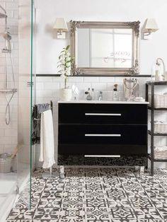 Baño con suelo hidráulico de Leroy Merlin