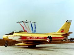 ROYAL CANADIAN AIR FORCE - THE QUEENSKY CL-13  - GOLDENHAWKS - 1959