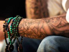 Los tatuajes reducen la posibilidad de encontrar un empleo? ACTIVIDAD: Lee el articulo y contesta: Cuales son los motivos para hacerse un tatuaje?  Cuales son algunos de los problemas que traeria esta desicion? Que cambios traeria un tatuaje a la vida de una persona? Haz una ilustracion de un tatuaje luego presentala a la clase.(Actividad by M. Melara)