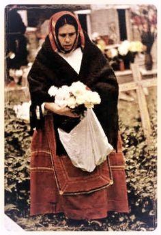 donna sarda Sardegna   #TuscanyAgriturismoGiratola