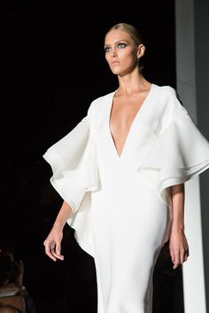 Gucci SS 2013 fashion show runway anja rubik Couture Fashion, Runway Fashion, Fashion Beauty, Fashion Show, Gucci Fashion, Luxury Fashion, Womens Fashion, Elegante Y Chic, Modelos Fashion